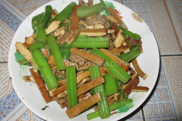 西芹豆干炒瘦肉
