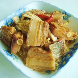 臘魚腐竹燒五花肉的做法[圖]
