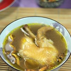 石斛灵芝炖鸡汤的做法[图]