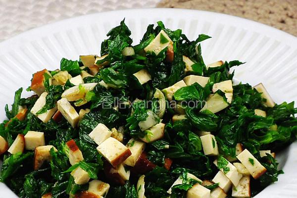 凉拌熏干芹菜叶