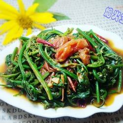 蕃茄炒水蕨菜的做法[图]