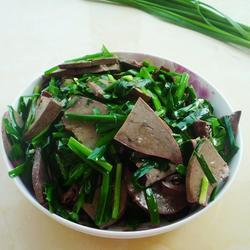 韭菜炒羊肝的做法[图]