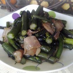腊肉炒红菜苔的做法[图]