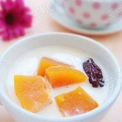 木瓜红枣炖鲜奶的做法[图]