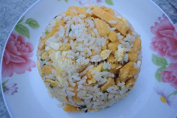 鸡蛋炒玉米饼米饭