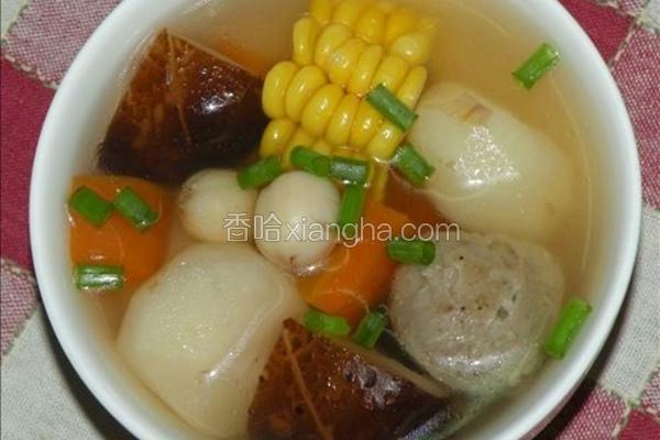 肉丸蔬菜汤