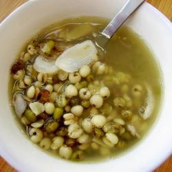 薏米百合绿豆粥的做法[图]