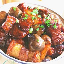 草菇烧肉的做法[图]