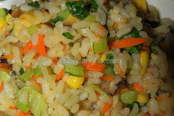 胡萝卜青菜炒饭