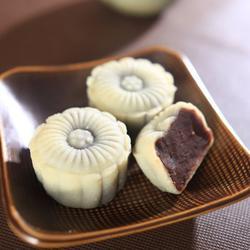 红豆沙冰皮月饼的做法[图]