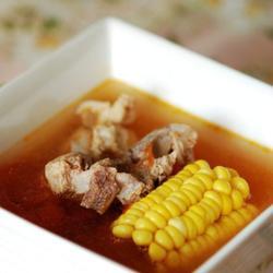 西红柿玉米煲猪骨的做法[图]