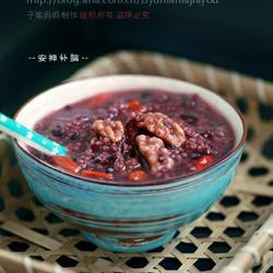 核桃枸杞黑米小米粥的做法[图]