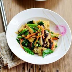 芹蒜香菇豆腐絲的做法[圖]