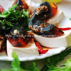 香菜皮蛋拌豆腐的做法[图]