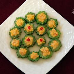 鲜虾蛋黄酿苦瓜的做法[图]