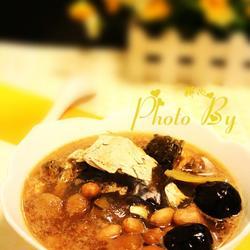 桂圆肉花生鱼头汤的做法[图]