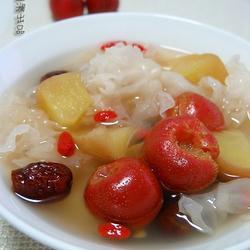 苹果银耳红果汤的做法[图]
