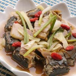 咸肉煮黄鳝的做法[图]