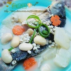 醇鮮扁豆米仁魚湯的做法[圖]
