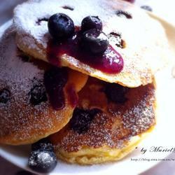 蓝莓酸奶煎饼Blueberry Yogurt Pancakes的做法[图]