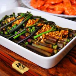 珍选捞汁蕨菜的做法[图]