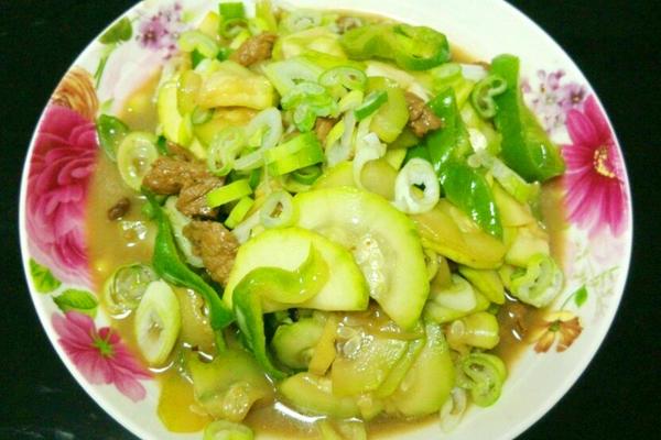 西葫芦炒肉