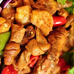沙茶雞樅土豆千張結燒翅根的做法[圖]