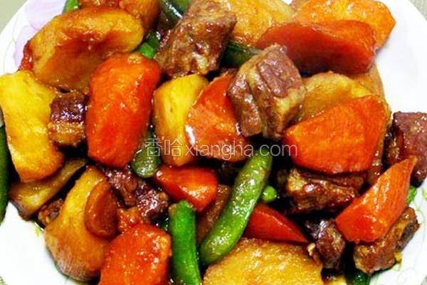 马铃薯炖肉排