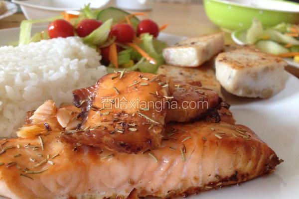 迷迭香烤鲑鱼