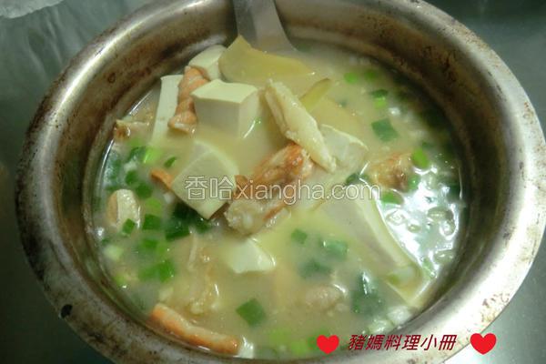 味噌鲑鱼豆腐汤