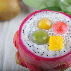 椰汁西米汤圆火龙果盅的做法[图]