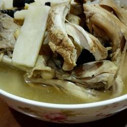 灵芝山药鸡汤