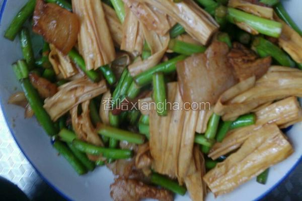 蒜苔腐竹炒肉