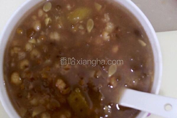 南瓜薏仁绿豆粥