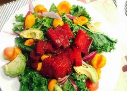 紫菜头牛油果瘦身沙拉