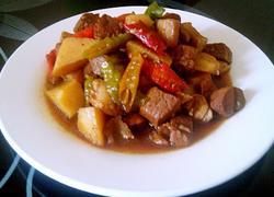 红烧肉炖土豆