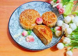 白莲蓉蛋黄广式月饼
