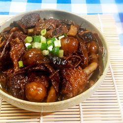 板栗茶树菇煲鸭