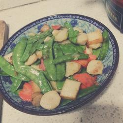 荷兰豆炒鱼丸