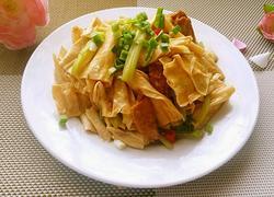 香芹腐竹炒肉片
