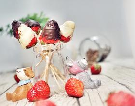 草莓巧克力棒棒糖[图]