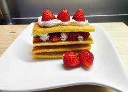 草莓方层蛋糕
