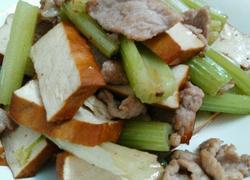 西芹豆干炒肉片