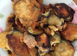 鸡蛋面粉炸蘑菇葱花肉茄盒
