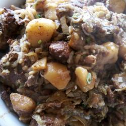鄂尔多斯特色菜之――猪骨头烩酸菜