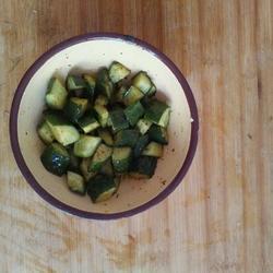 麻辣腌黄瓜的做法[图]