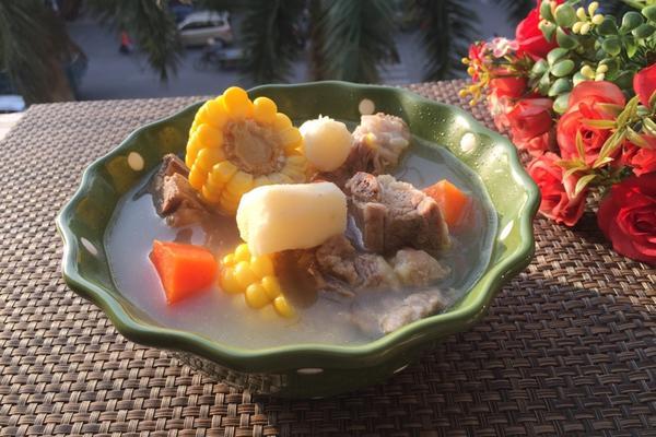 玉米胡萝卜山药排骨汤
