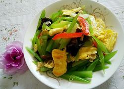 芹菜炒鸡蛋