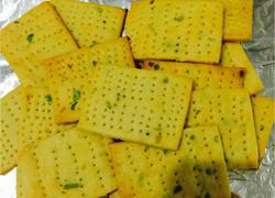 咸味葱香苏打饼干(无糖少油的健康配方)