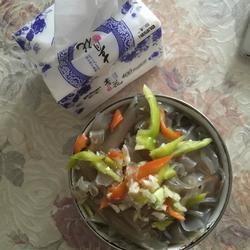 青椒调红薯粉皮